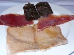 bottargo di tonno, salame di tonno e tonno affumicato