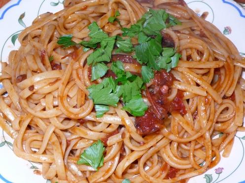 spaghetti con il sugo di polipo