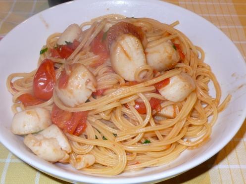 spaghetti with scallops
