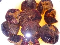 figs a'soakin