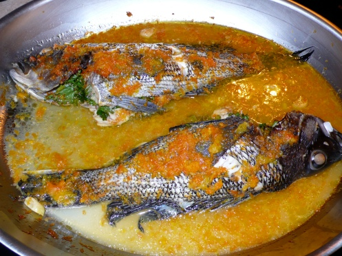 black bass in a salsa di agrumi