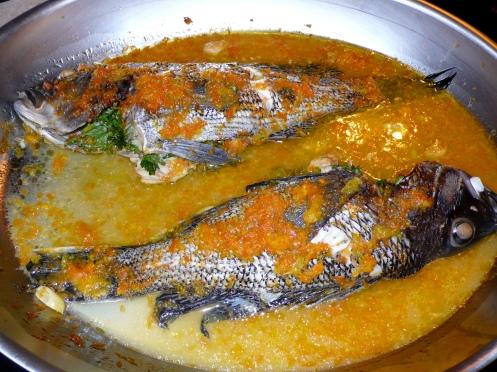 black bass in a salsa di agrumi