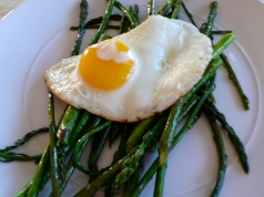 Roasted Asparagus with Fried Eggs