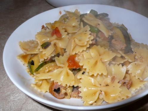 farfalle with pomodori, zucchine e salsiccie