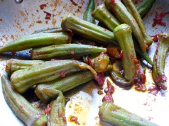 Okra Sautéed with Tomatoes and Garlic alla Napoletana