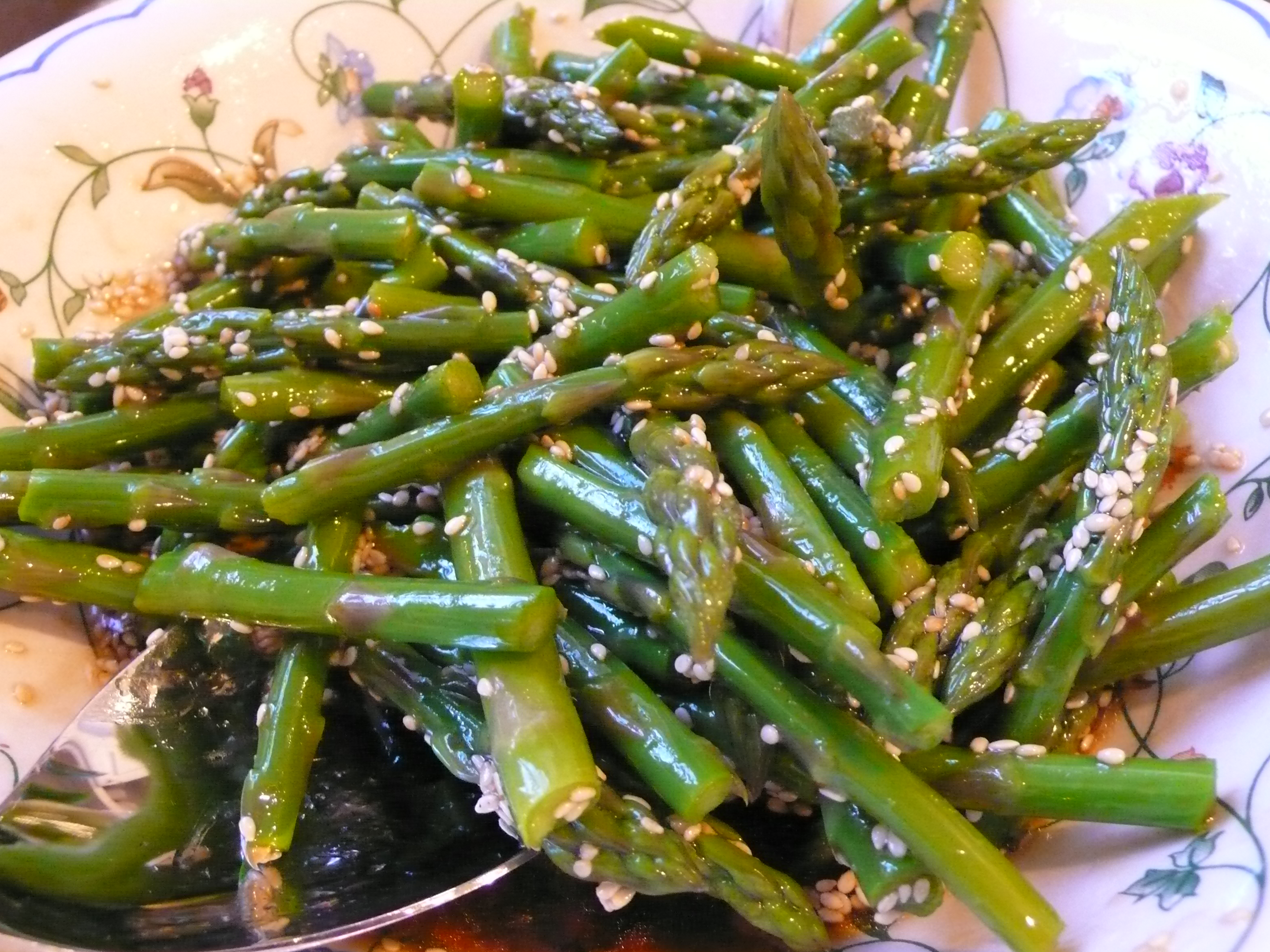 Cold Asparagus Salad with Sesame Seeds | Italicious
